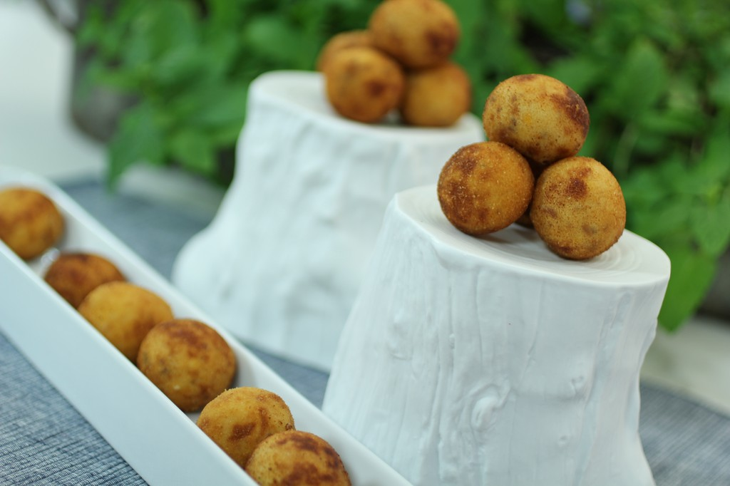Quick summer recipes with jamon:croqueta of jamon_b